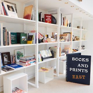「BOOKS AND PRINTS at UNITED ARROWS」のアイテムで、秋の夜長を満喫!